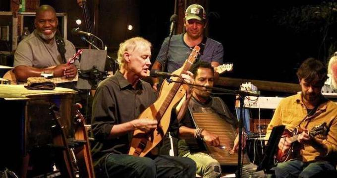 Amos Lee & Bruce Hornsby and The Noisemakers at MGM Grand Theater at Foxwoods